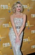 **ADDS**Laura Bell Bundy attends the 44th Annual Country Music Awards (november 10, 4 HQ)