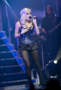 Nov 24, 2010 - Pixie Lott - The Crazycats Tour 292d4e108401946