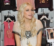 Nov 22, 2010 - Pixie Lott - Promoting her collection at Lipsy store in London  C06d80108408238