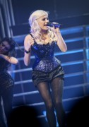 Nov 24, 2010 - Pixie Lott - The Crazycats Tour C4371d108401987