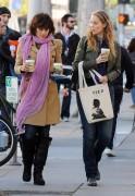 Nov 26, 2010 - Elizabeth Berkley - The Urth Cafe in Beverly Hills 8eb05d108483149