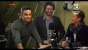 Take That à la radio DJ Italie 23/11-2010 8c34ba110833653
