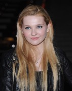 Эбигейл Бреслин, фото 16. Actress Abigail Breslin attends the Vanity Fair party during the 10th annual Tribeca Film Festival at State Supreme Courthouse on April 27, 2011 in New York City., photo 16