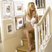 http://thumbnails35.imagebam.com/14386/6bbece143858113.jpg
